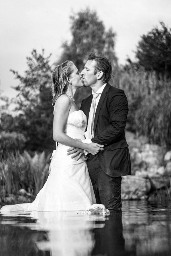 Nadine_Soeren_HochzeitPoolParty_WEB_-77.jpg