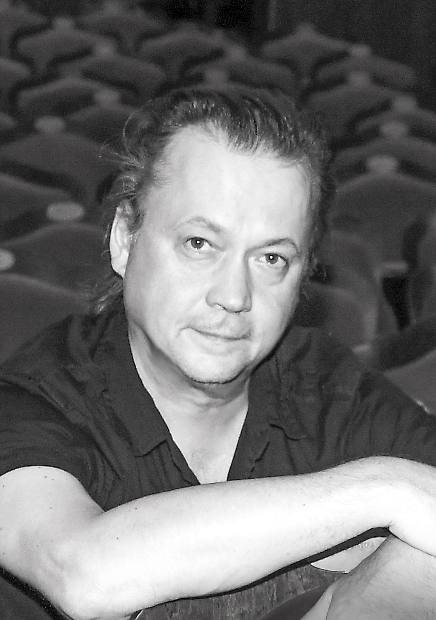Pasha Kambalov headshot.jpg