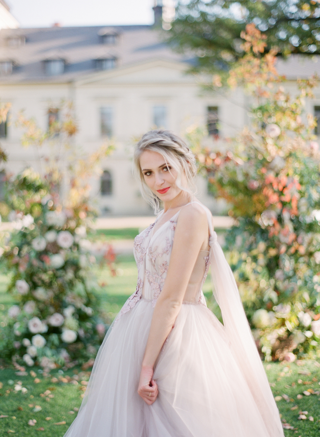 prague wedding photographer chateau mcely wedding editorial nikol bodnarova film wedding photographer182.JPG