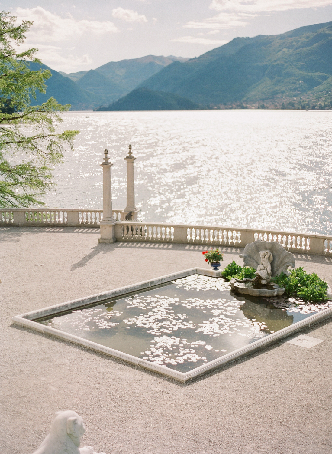 lake_como_wedding_photographer_villa_melzi_film_wedding_nikol_bodnarova_photography_02.jpg