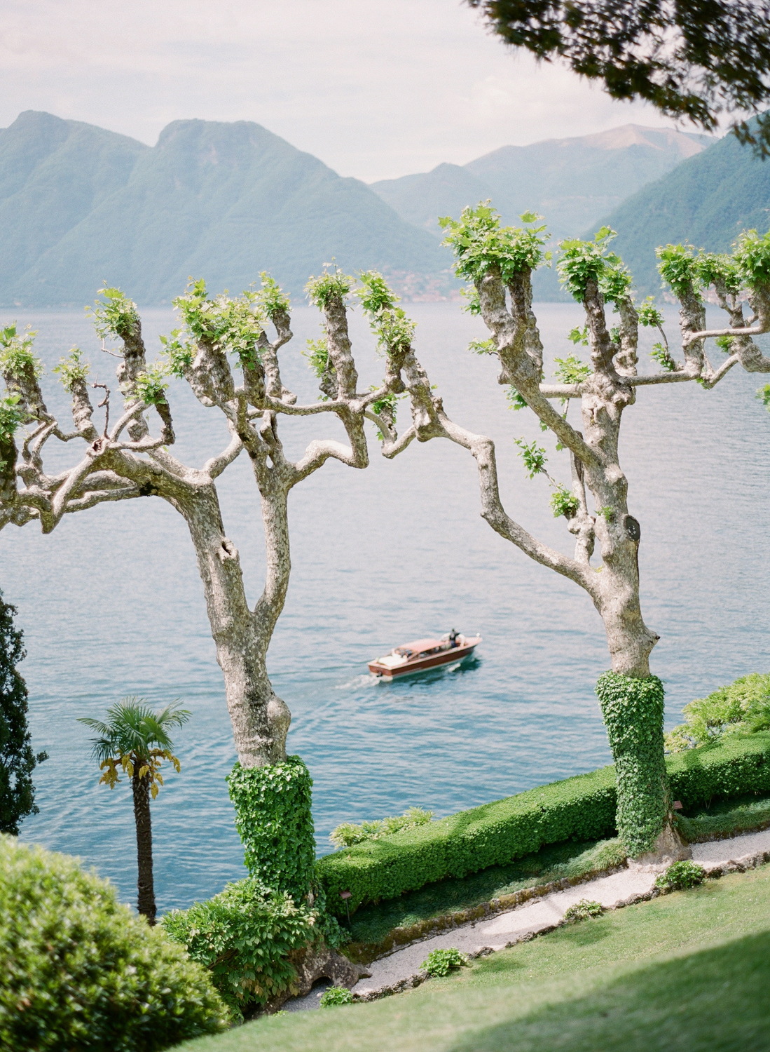villa_del_balbaniello_lake_como_wedding_photographer_italy_film_wedding_nikol_bodnarova_photography_04.JPG