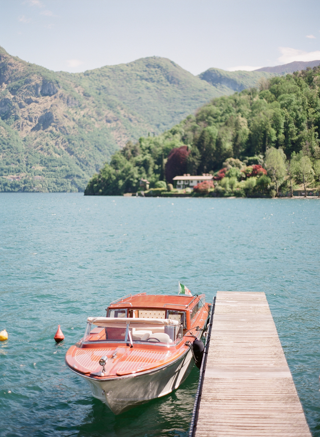 lake_como_wedding_photographer_villa_balbaniello_taxiboat.JPG