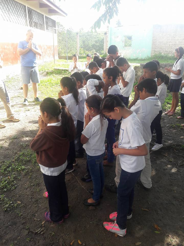 prayer in school.jpg