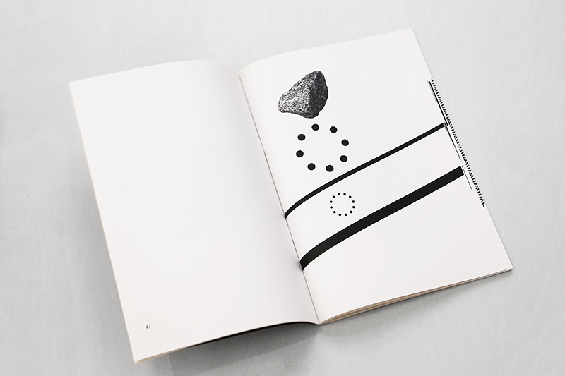 w-Fourwalla book02.jpg