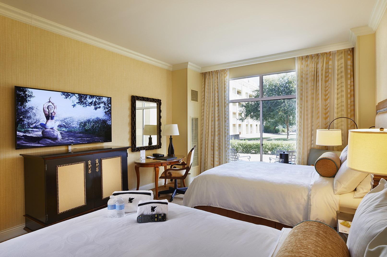 Desert Ridge Guest Room.jpg