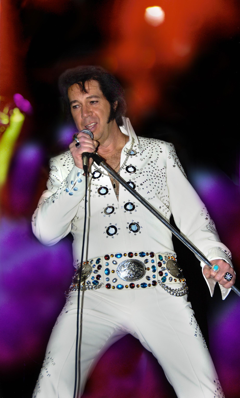 Elvis final.jpg