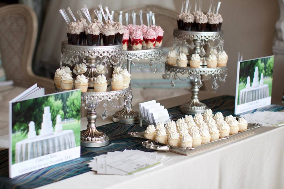 Photo courtesy of  Stefani Marie Photography  and Cakes by Kim