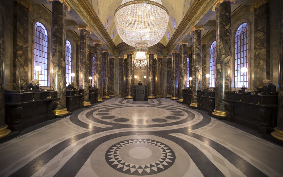 HP-and-the-Escape-from-Gringotts-900x563.jpg