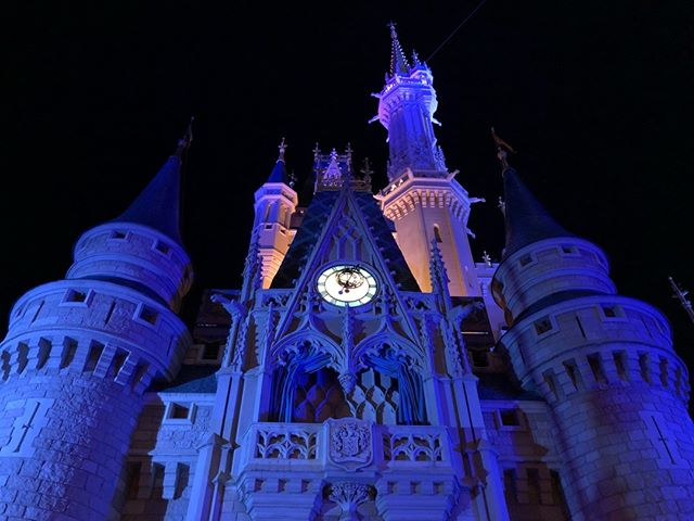 Do you like the castle at night or during the day? . . . . #disney #disneyworld #waltdisneyworld #disneyparks #disneyfan #disneygram #disneyig #disneypics #instadisney #florida #orlando #wdw #picoftheday #disneyphoto #wdwresort #mickeymouse #photooftheday #travel #vacation #themeparks #disgsram #magic