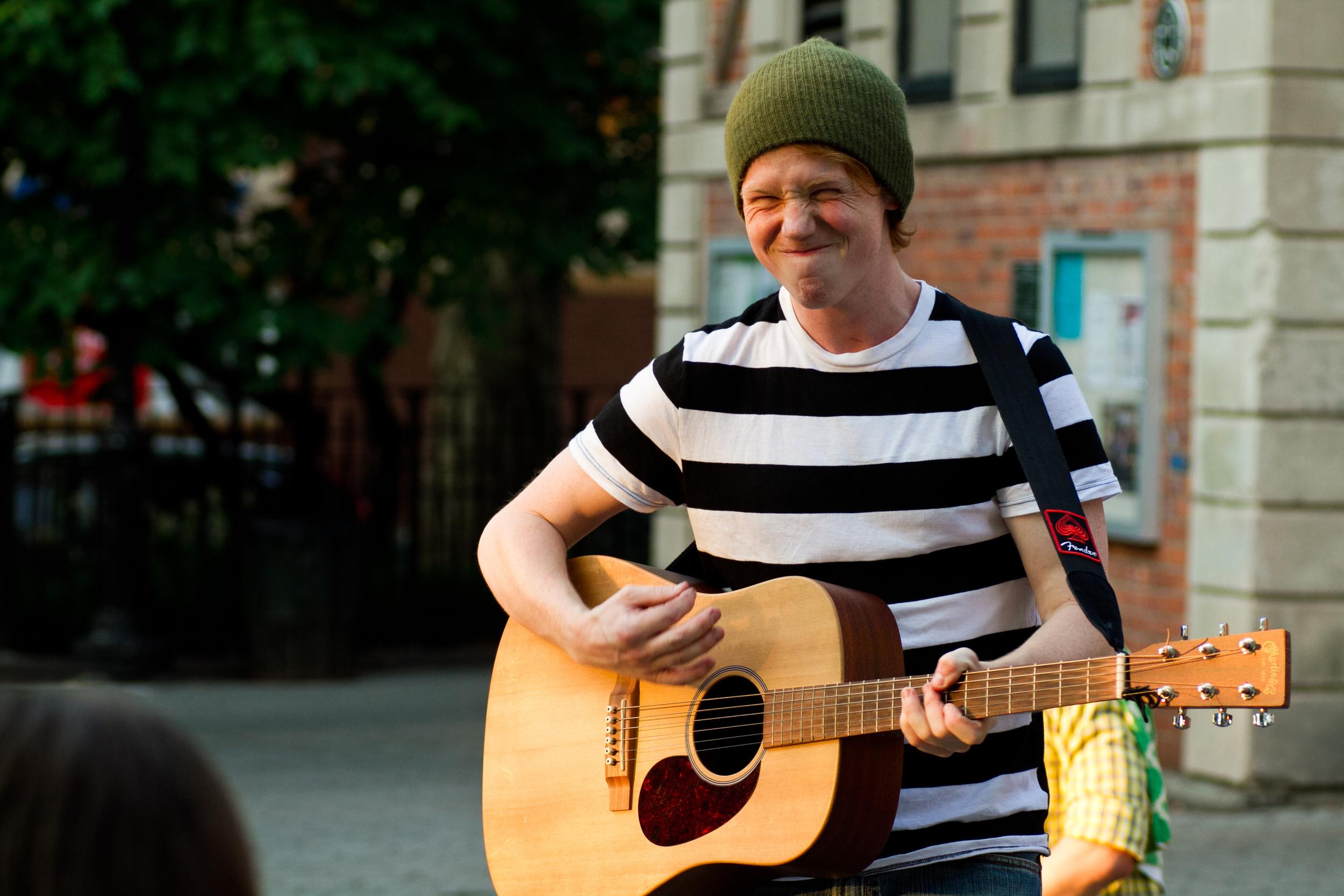 Patrick Harvey as Feste