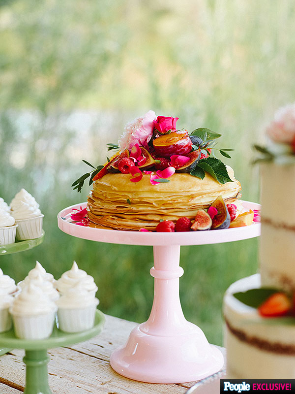 chris-klein-wedding-cake-2-600x800.jpg