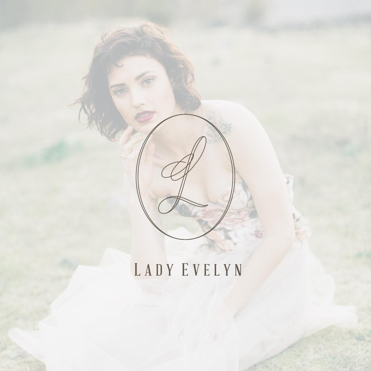 Lady Evelyn Mockup-05.jpg