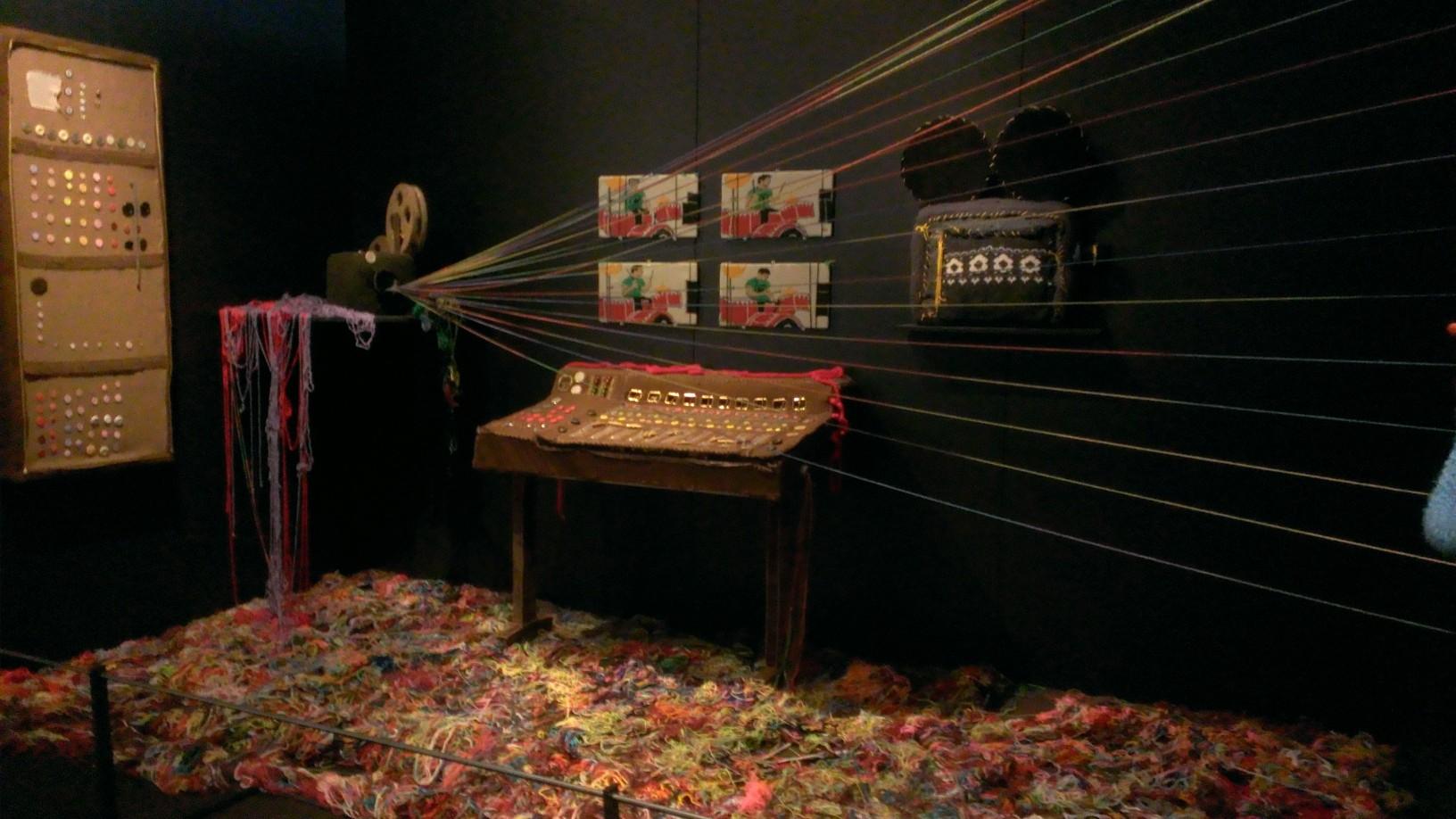 Walkie Talkie Man Video / EMP Museum / warporweft.com