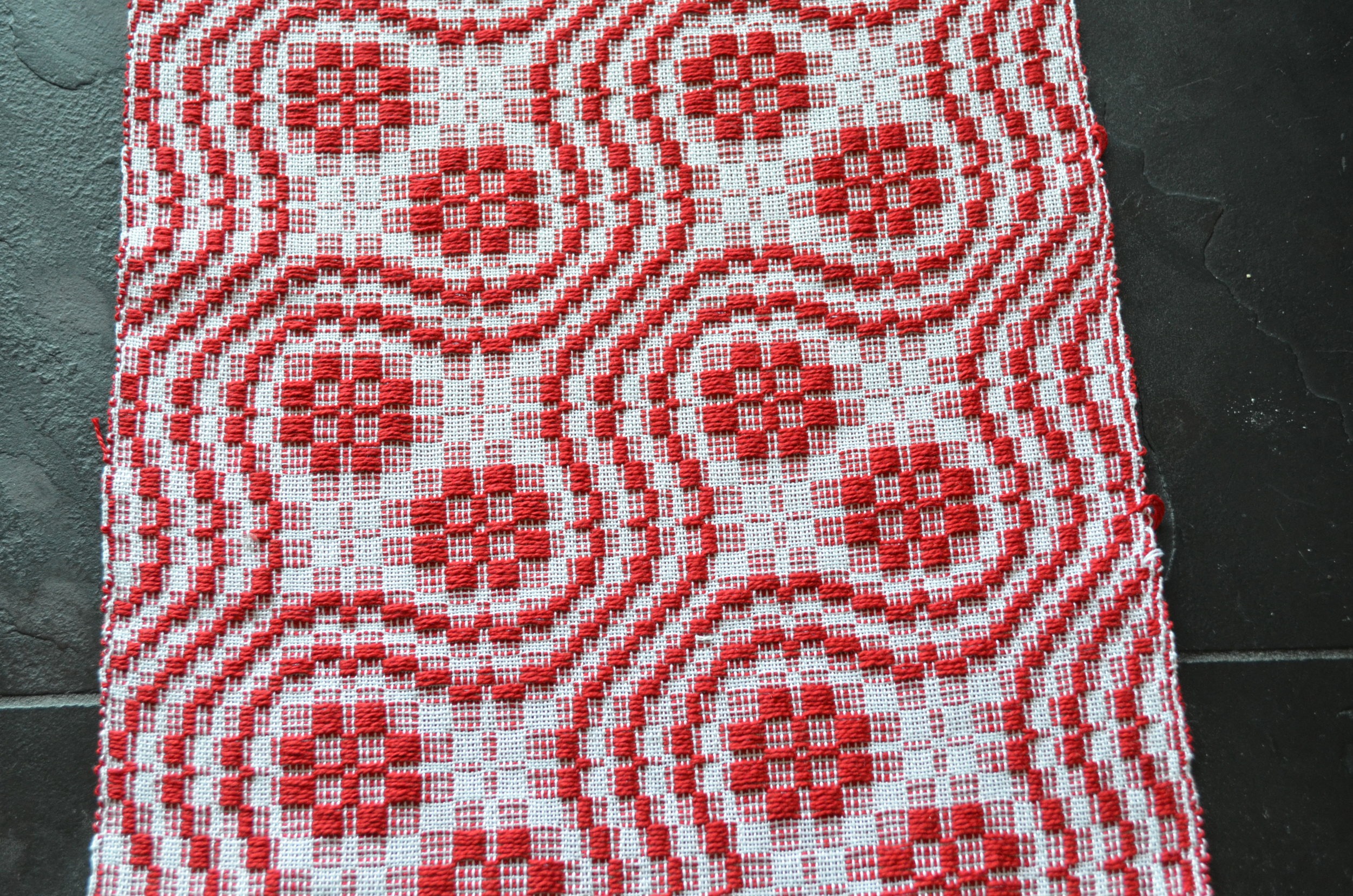 snails trail and cats paw overshot woven table runner / warporweft.com