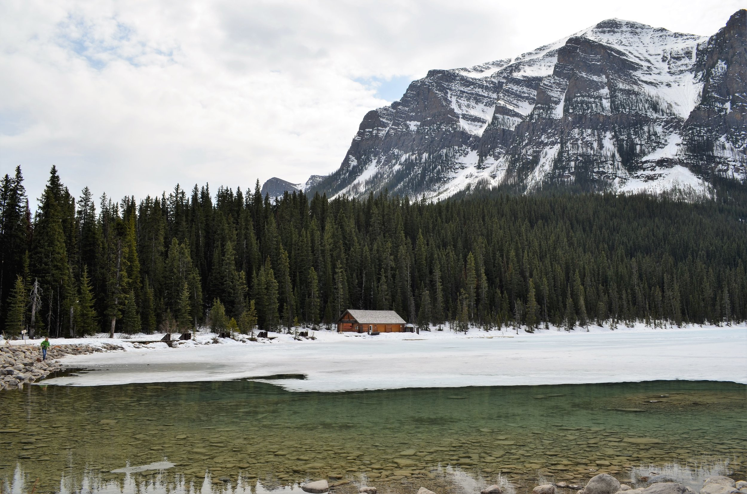 MUST SEE Cabin on Lake Louise, Banff National Park, Alberta, Canada / warporweft.com
