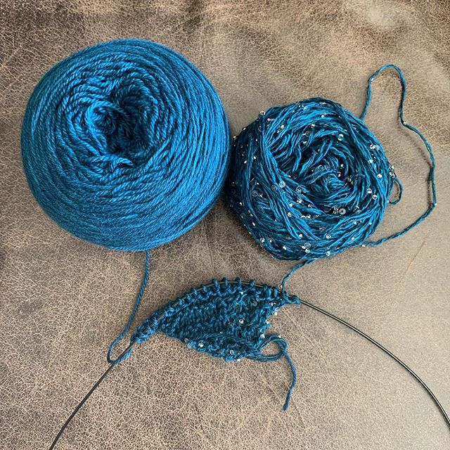 Starting a new project knit with two different @artyarns at the same time. One is on the left and the other on the right and you combine them with a series of short rows for a beautiful combination. I love the sparkly yarn.