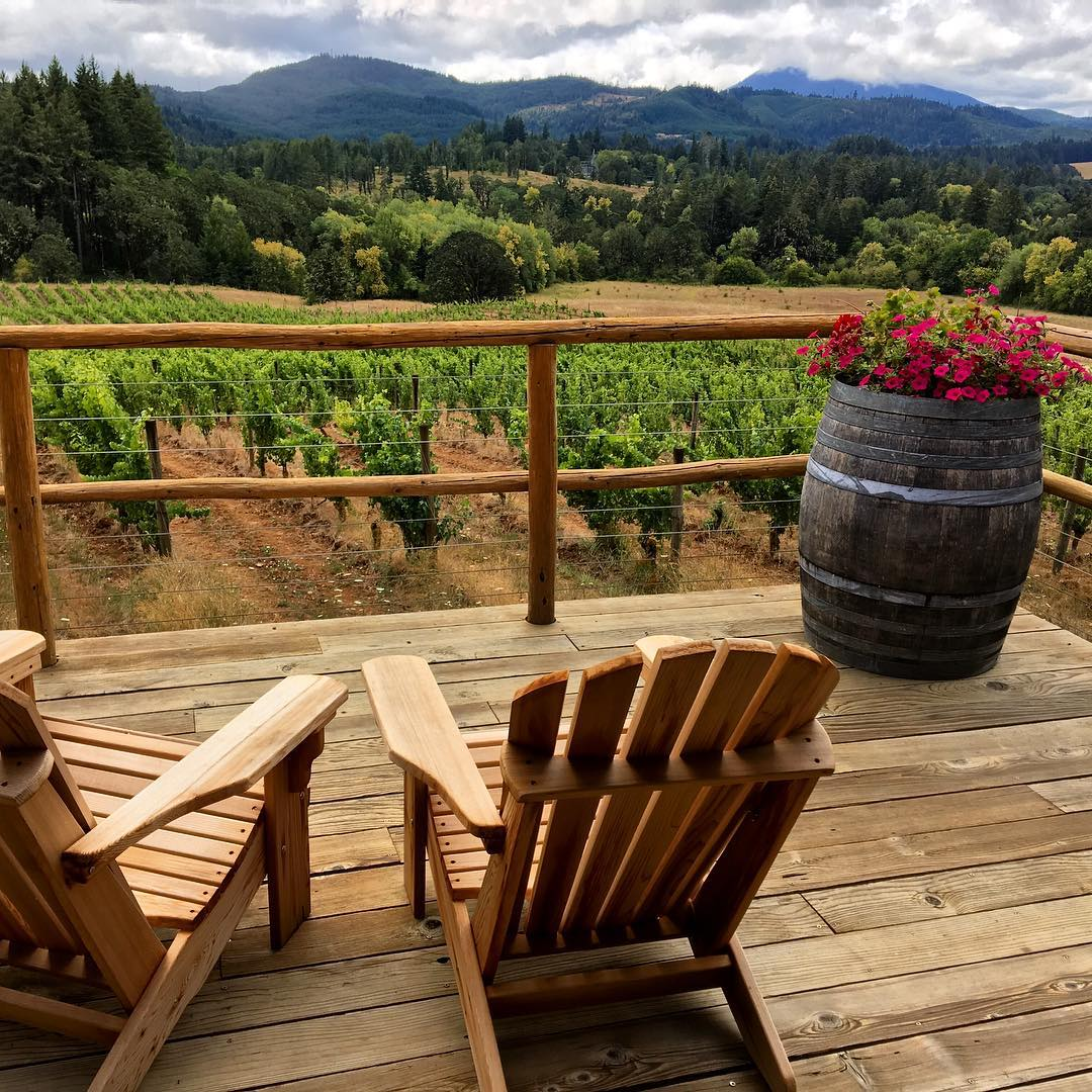 oregon wine country bella vino lumos