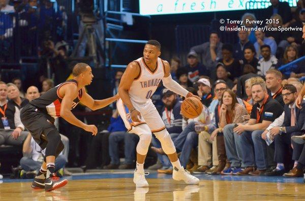 Russell Westbrook backs down defender. (Torrey Purvey/InsideThunder.com