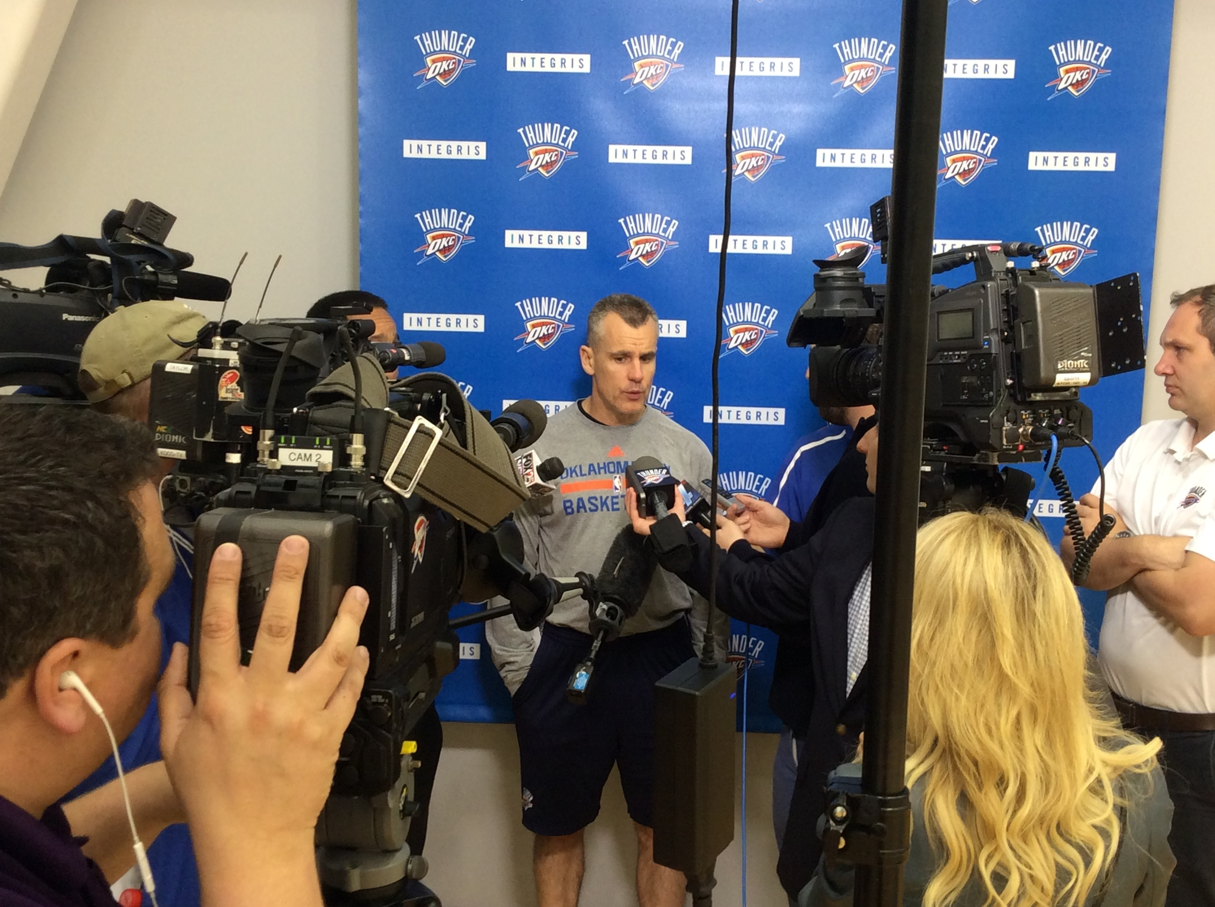 Billy Donovan speaking to reporters on Friday after Thunder practice. (Photo by Randy Renner for InsideThunder.com