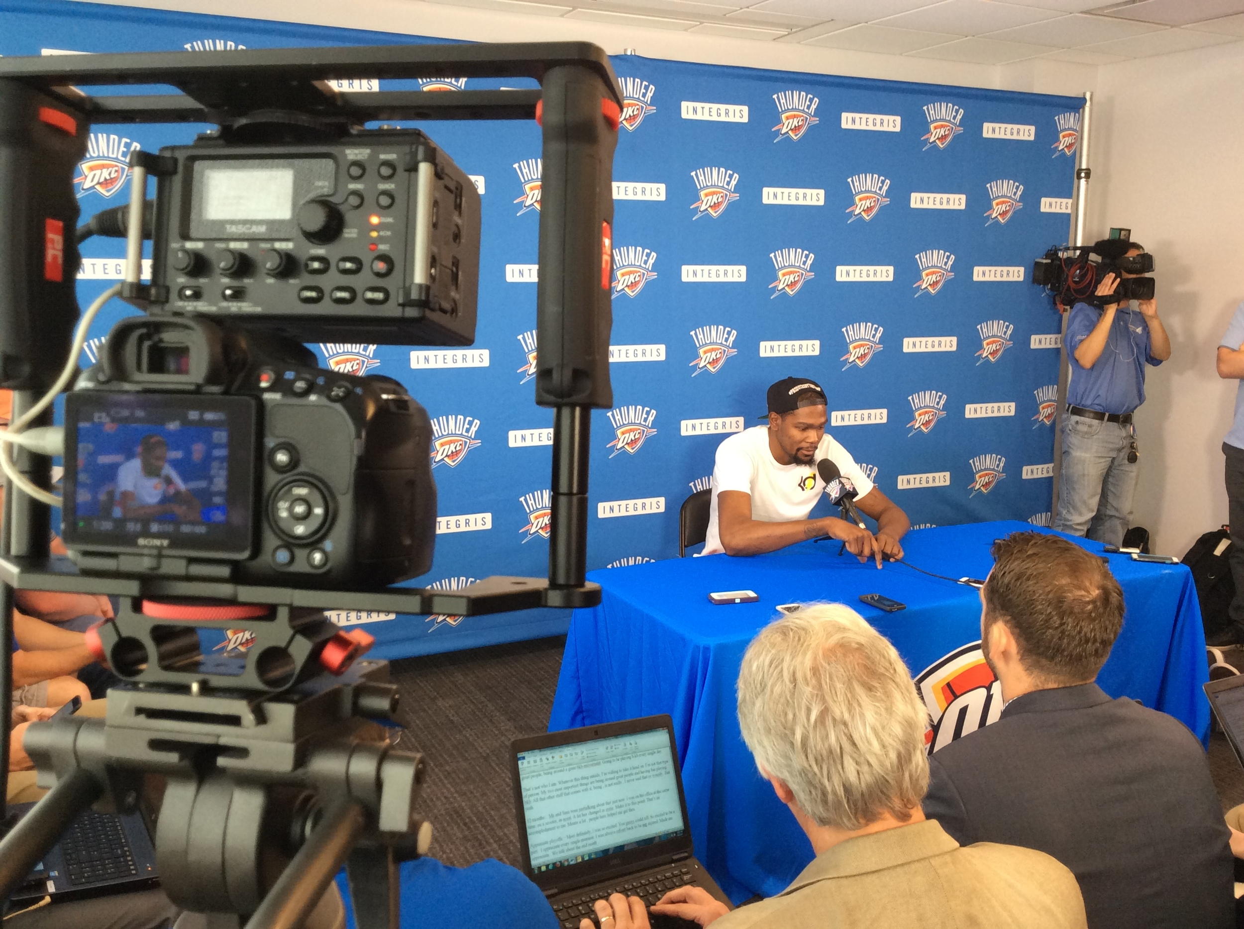 Kevin Durant speaking to reporters during Thunder exit interviews at the INTEGRIS Thunder Development Center on Wednesday. (Photo By Randy Renner/InsideThunder.com)