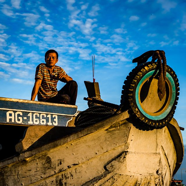 Taking in the new morning light atop his floating home and shopfront in the Mekong Delta. #vietnam #mekongdelta #mekong #floatingmarket #boats #sunrise #poetry #vietnamcharm #discovervietnam #tinypeopleinbigplaces  #bestplacestogo  #cityview  #travelphotographer #traveldeeper #letsgosomewhere  #moodygrams  #passionpassport #ourplanetdaily #sonya7riii #sonyalpha #sonyimage @sonyalpha @sonyvietnam