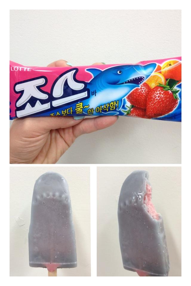 죠스 (Joh-se) = Jaws  A popsicle with a harder orange flavoured outside - which is coloured grey, and a softer ice strawberry centre. Cute teeth imprint, fruity and refreshing.