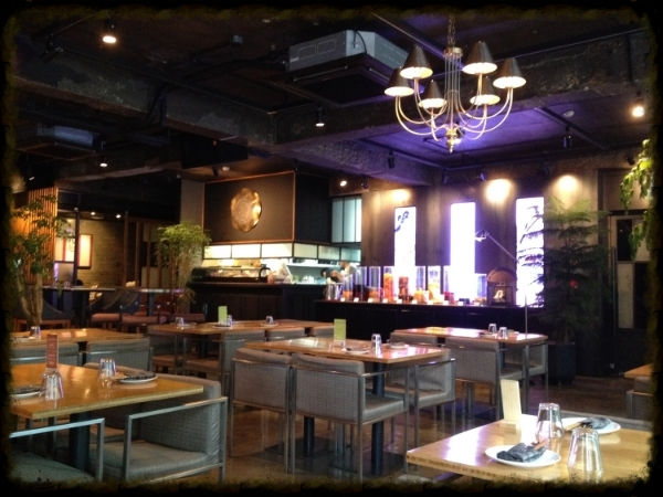 NIce interior by day or night. Great spacing and lounge like atmosphere. Each drink was about 12 000w-15 000w.