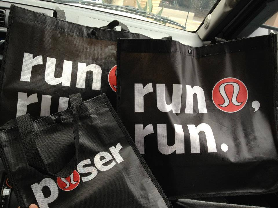 Love the seasonal bags!   Manhatten Beach - El Segundo  http://www.lululemon.com/southbay/plazaelsegundo?sli=1