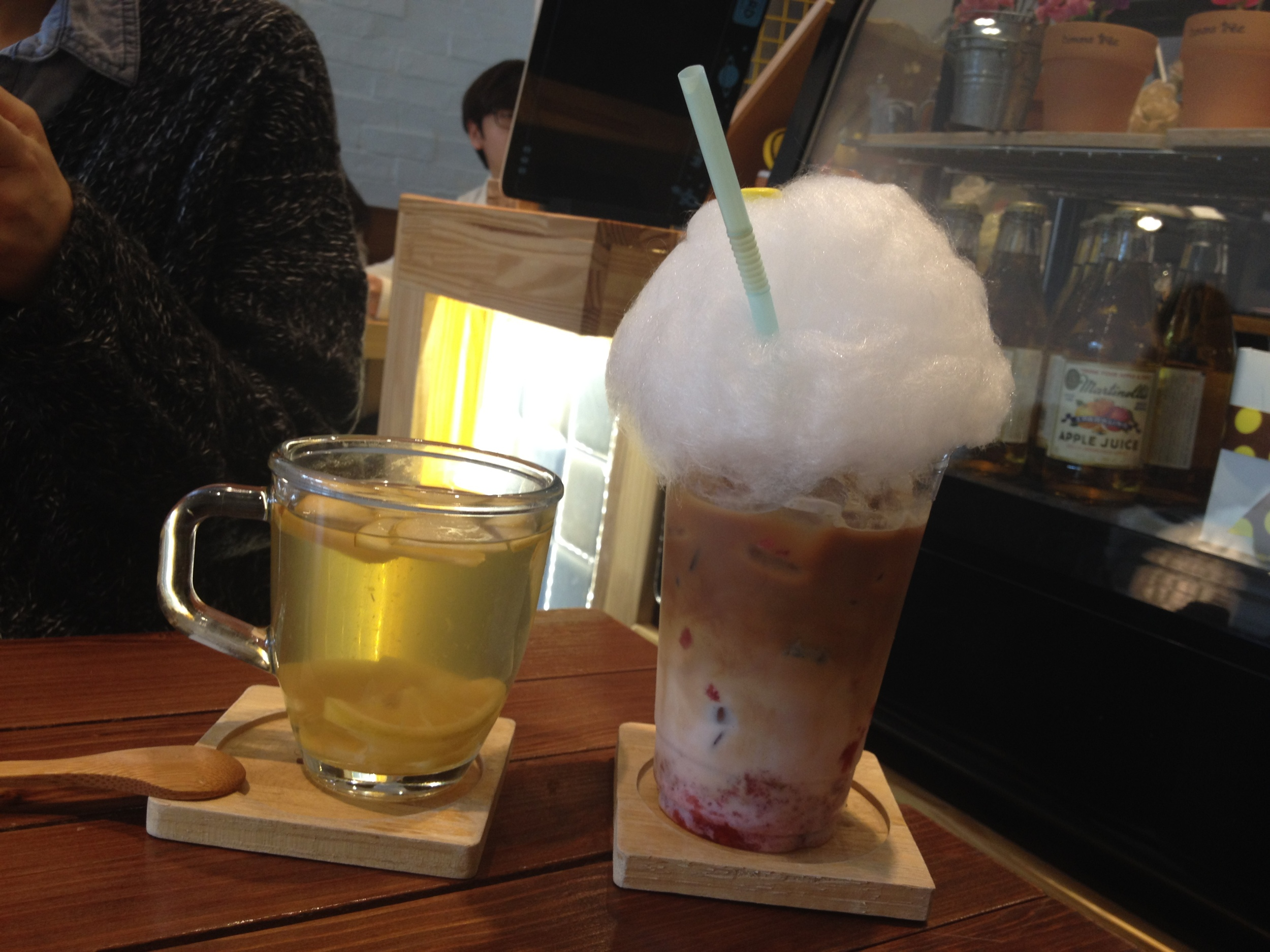 They have other dessert items on the menu but I have yet to try them. Their other drink selection that is interesting is their 솜사탕라때 (SomSaTang Latte) - Cotten Candy Latte! You can get different flavours, and I got strawberry. They had chunks of real strawberry in there so it was like a latte with strawberry milk with real fruit bits in it.