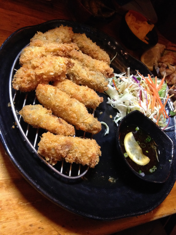Deep fried oysters in a light flaky batter. Was fried really well and the batter was perfectly crispy!