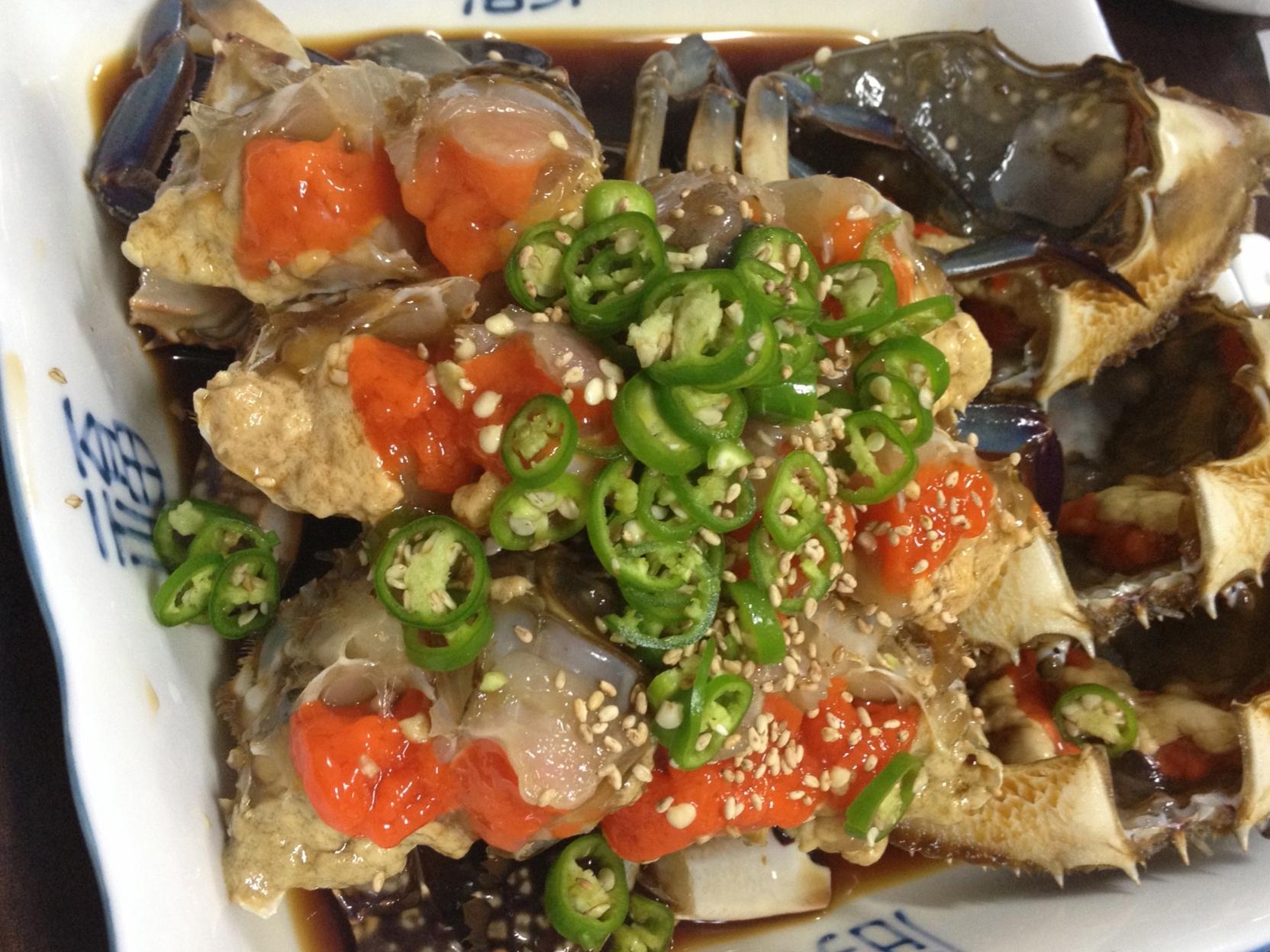 간장게장 (Ganjang Gaejang) - Rawcrab in a soy sauce marinade. Set menu priced at 31, 000won per person.   The difference that stands out at this places is the freshness of the blue crab and the flavour of the sauce. It's not too salty, and doesn't have that fishy seafood smell/taste that some places have. Since it is a specialty restaurant, you can tell they focus their quality on the one dish they have!