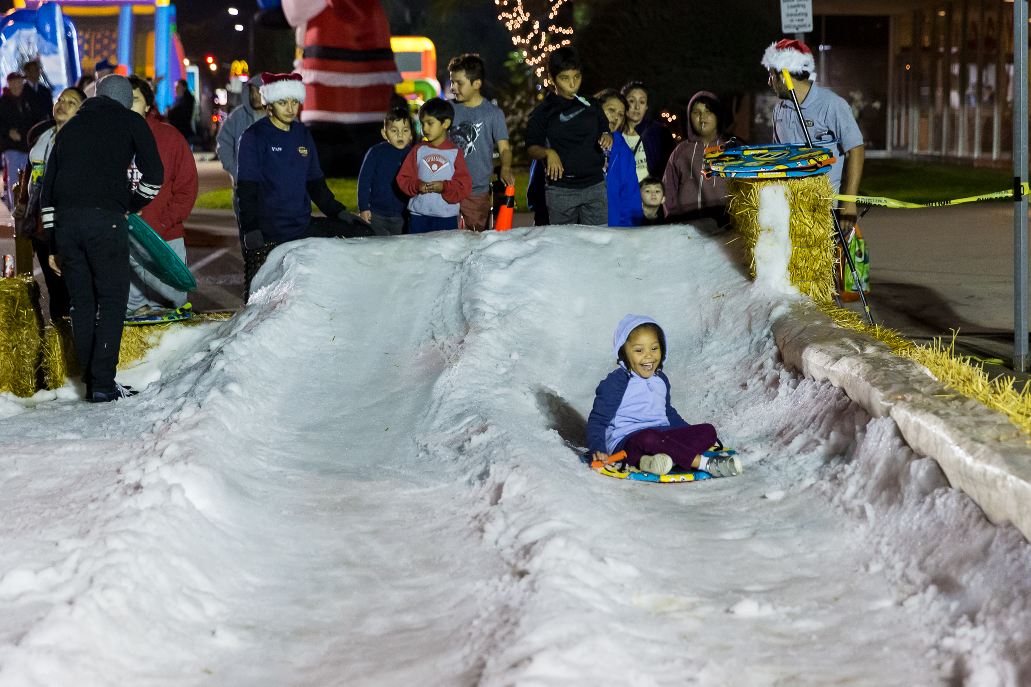 Snow pan slide