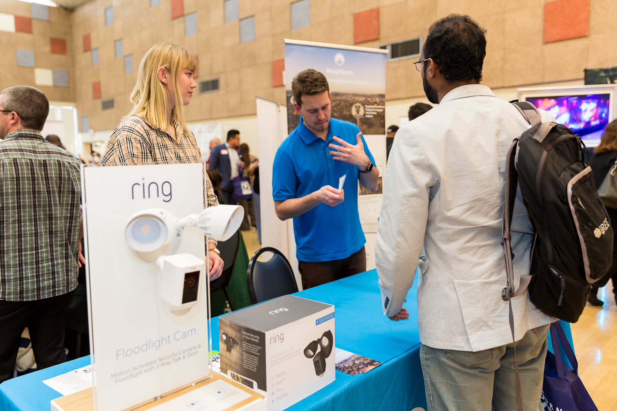 Ring booth