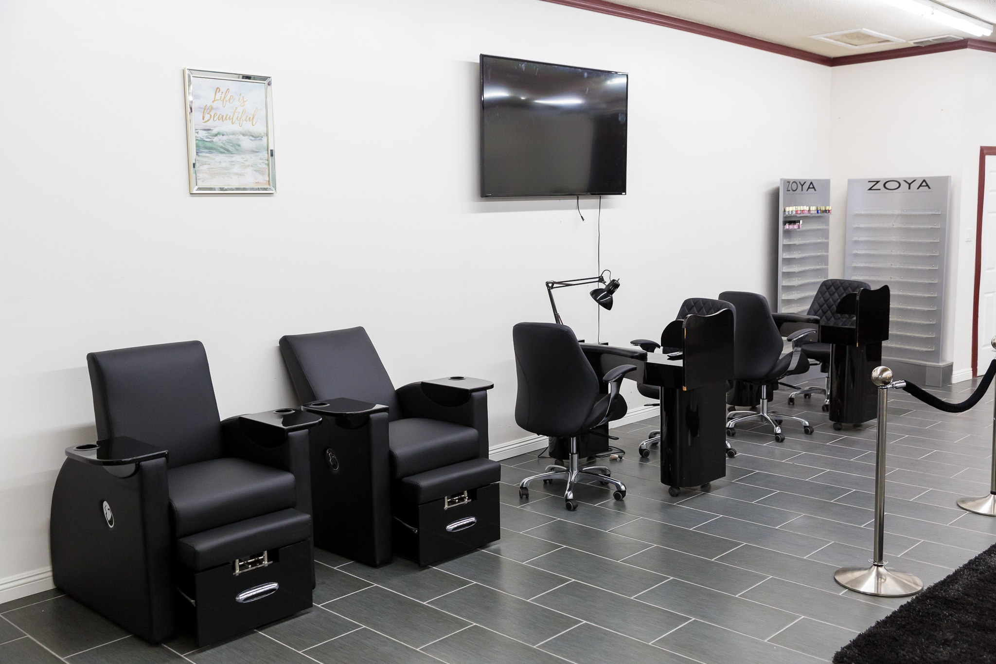 Nail Salon Chair Stations