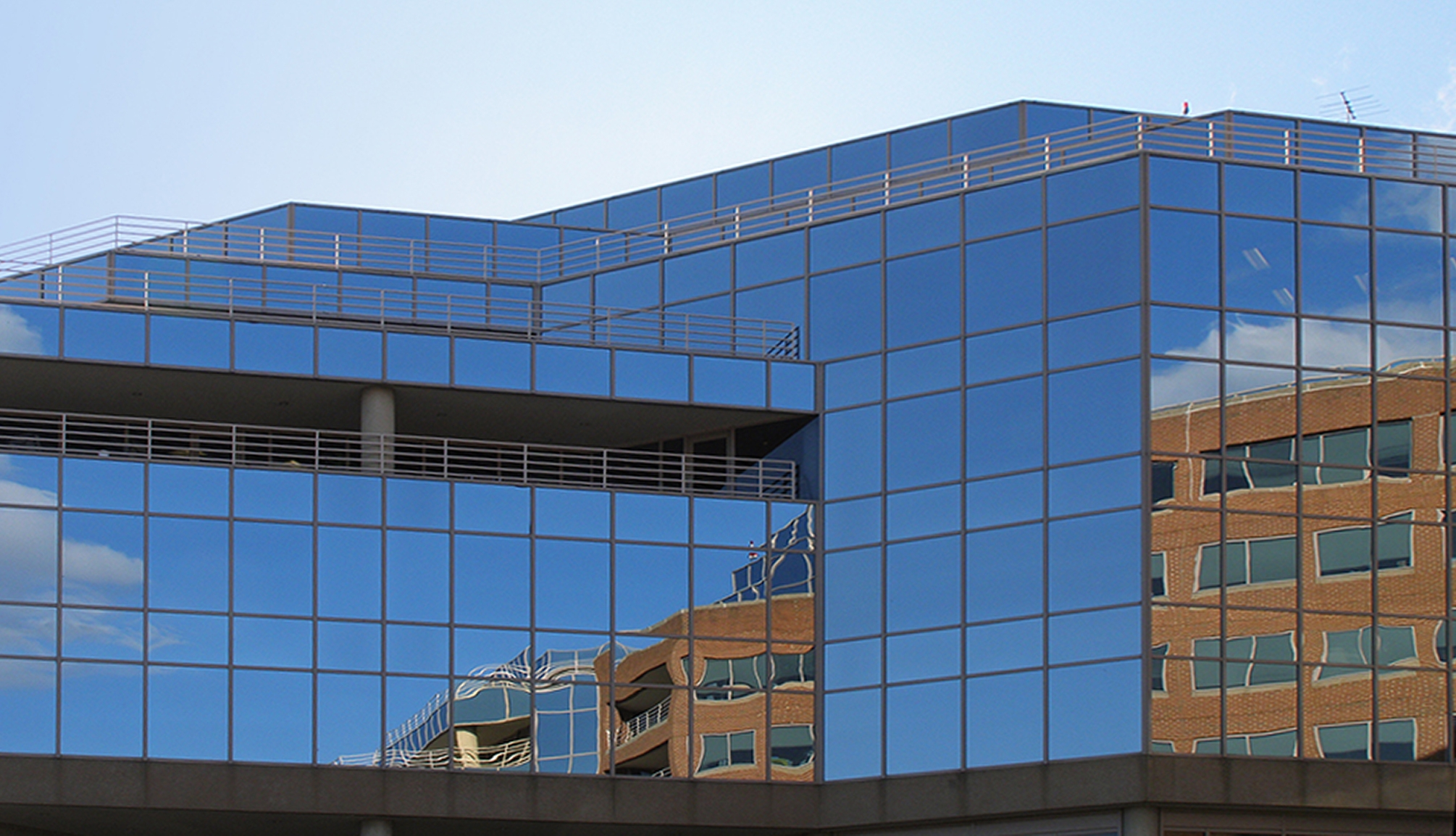 Window reflections, Canal Center Plaza