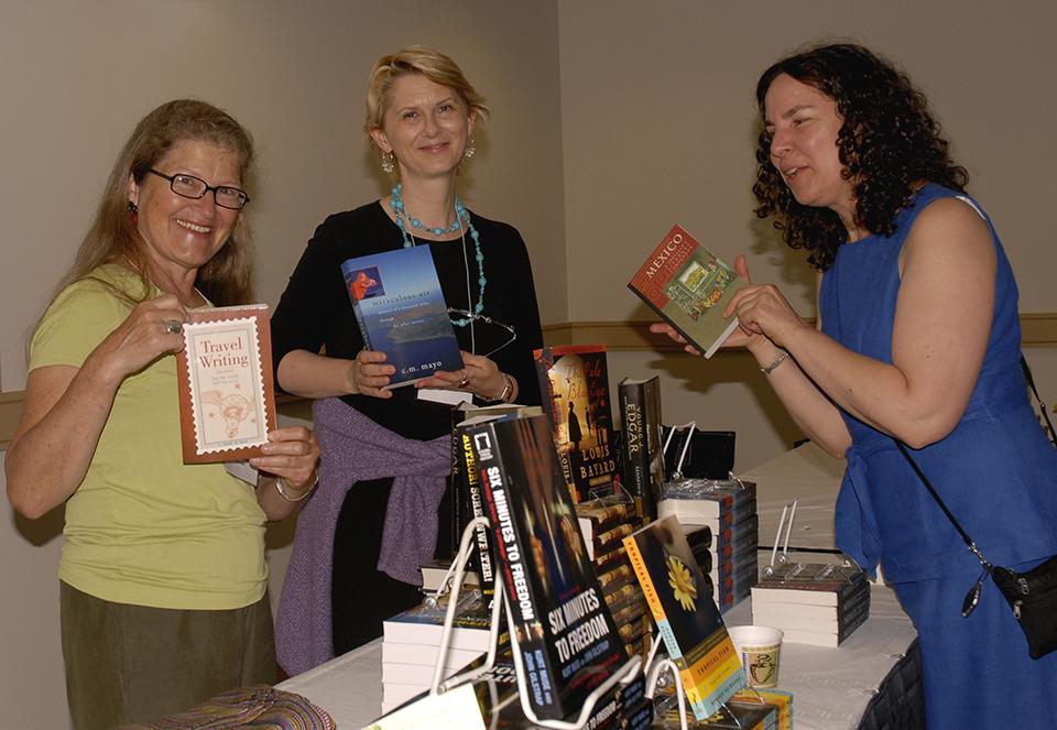 WIW_BookSale1_2008_0012.jpg