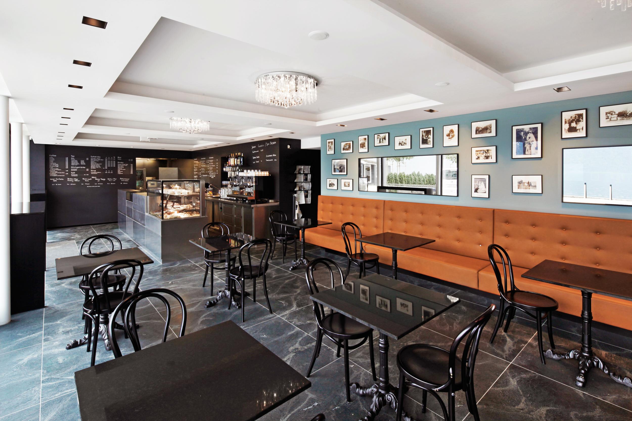 Cafe Vienna1.jpg
