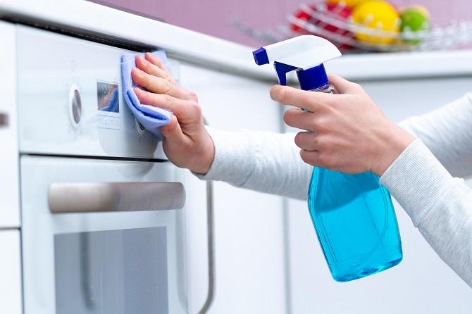 Chowhound - How to Deep Clean Your Kitchen with Expert Tips for Efficiency -