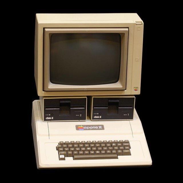 800px-Apple_II_IMG_4212-640x640.jpg
