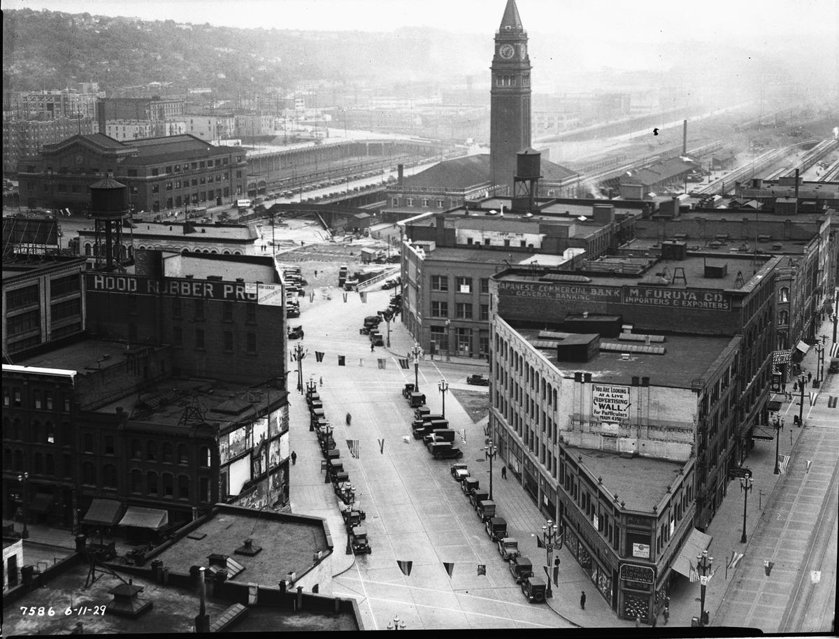 pioneer-square-1927.jpg