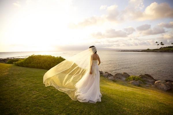 Style Me Pretty feature on a Maui Destination Wedding. Photo by  Anna Kim Photography