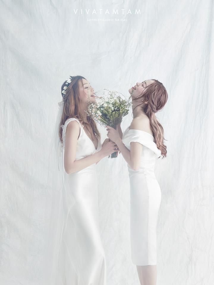 Escape gown (left) for Vivatamtam Korea