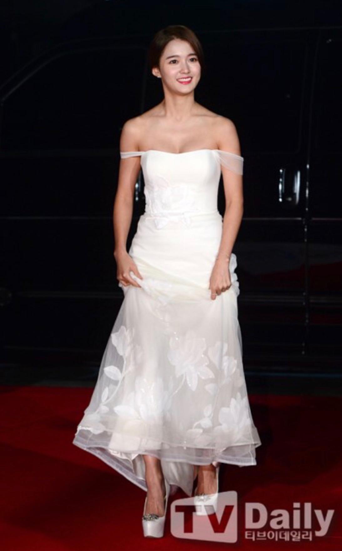Isabel gown on Korean actress Nam Bora