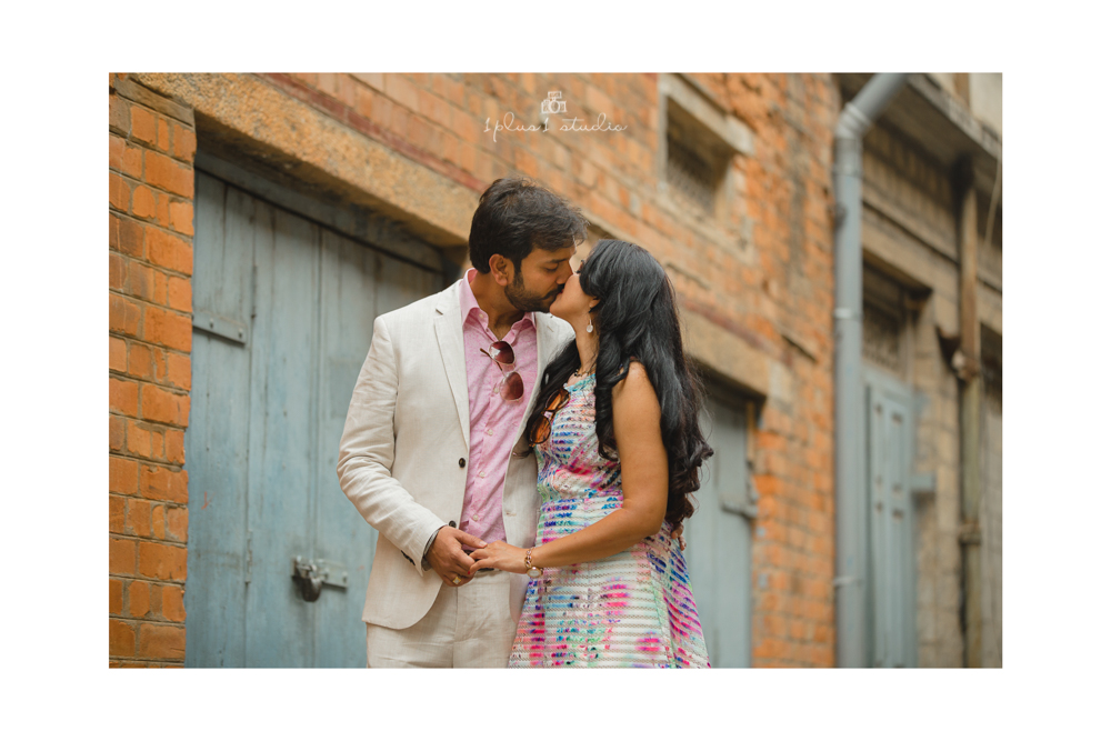 Bangalore Couple Shoot | Locations | Commercial street16.jpg
