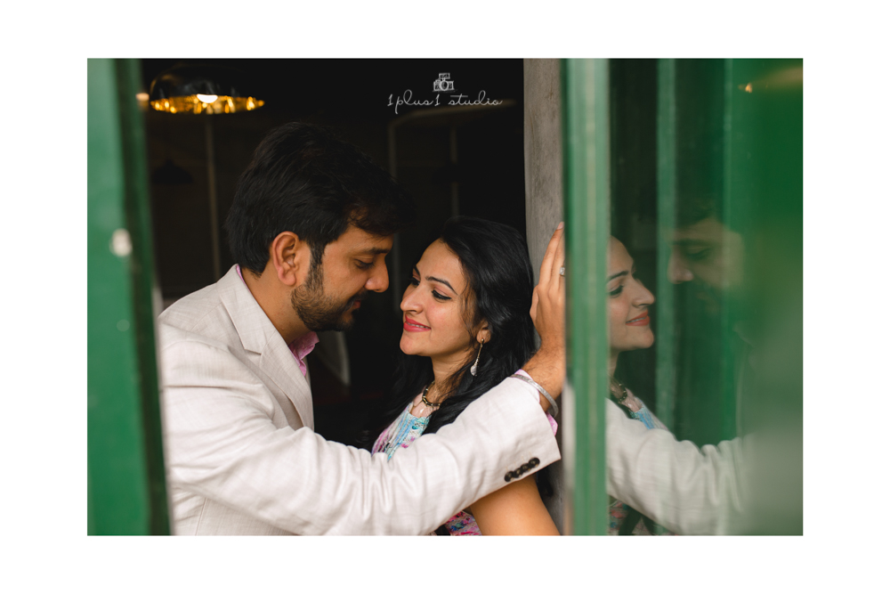 Bangalore Couple Shoot | Locations | Commercial street23.jpg