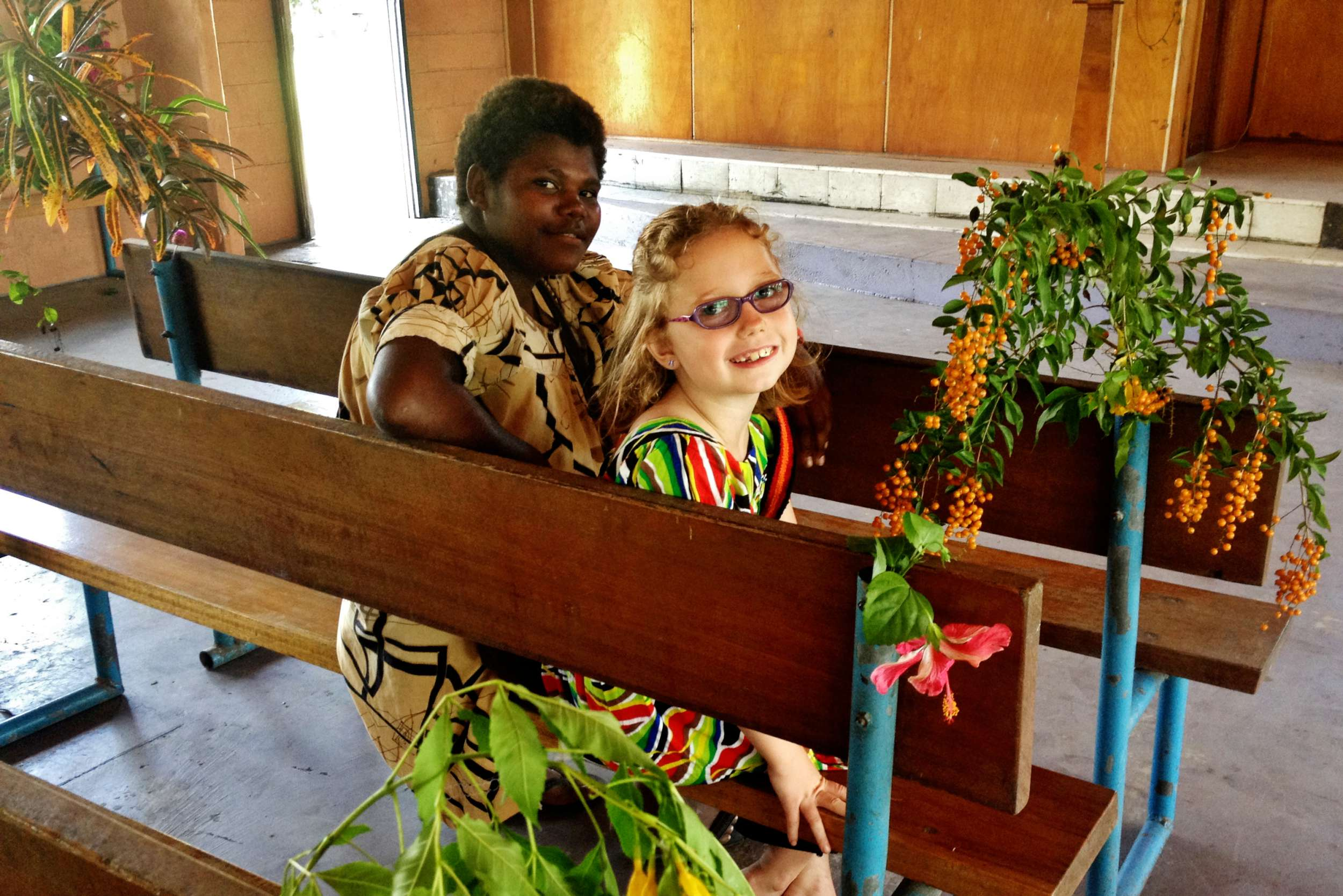 Enni (who gave me a beautiful bilum the first time that we met!) and Nori at church.