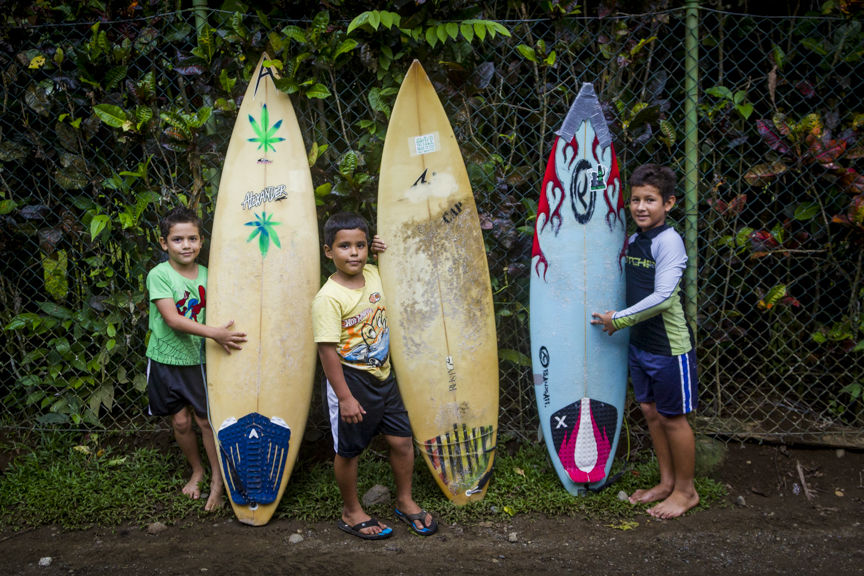 Little Surfers  for  de Pavones  series