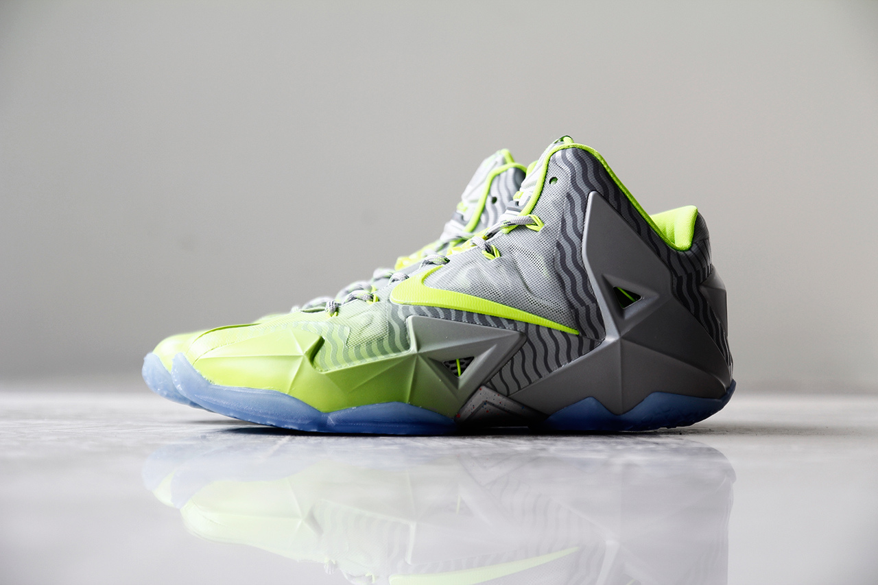 a-closer-look-at-the-nike-lebron-11-metallic-luster-ice-volt-1.jpg