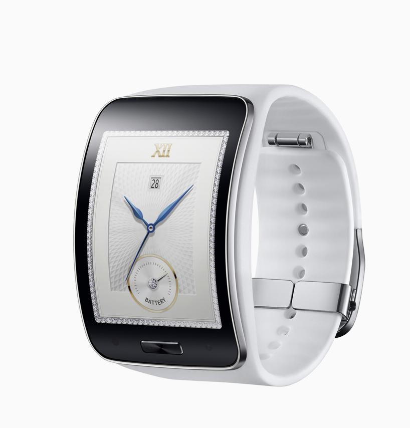 Samsung-Gear-S-designboom05.jpg