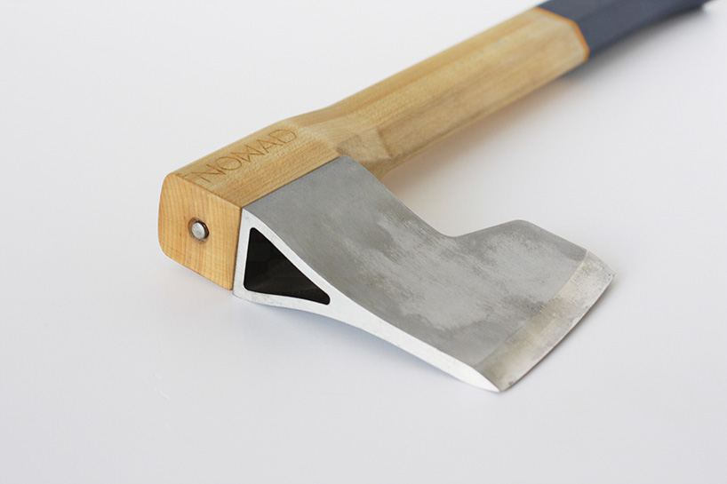 alexey-pavo-nomad-hatchet-knife-outdoor-accessory-designboom-03.jpg